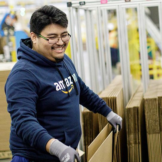 Amazon S New Robotics Fulfillment Center In West Charlotte Looks